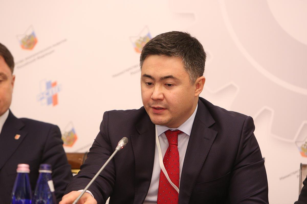 В Казахстане к середине октября заключено почти 450 договоров о реализации проектов на основе ГЧП