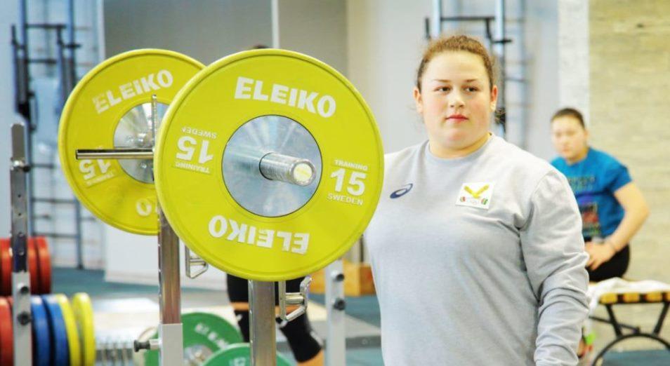 Юниорский ЧМ по тяжелой атлетике: золотой дебют Ахмеровой