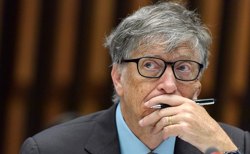 Билл Гейтс потерял второе место в рейтинге богатейших людей