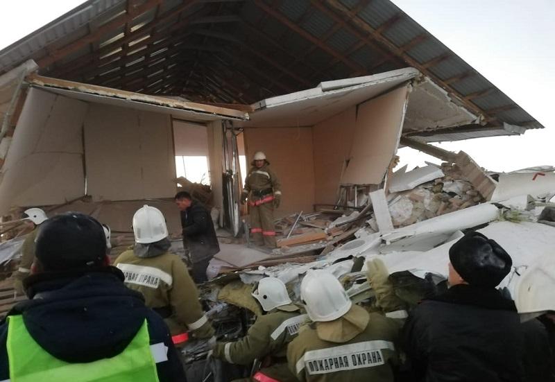 Назарбаев соболезнует родственникам погибших при крушении авиалайнера близ Алматы