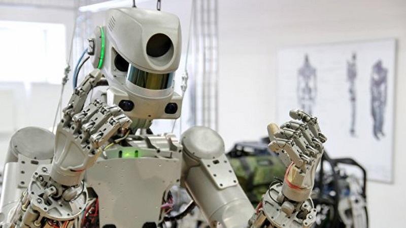Что робот FEDOR написал из космоса