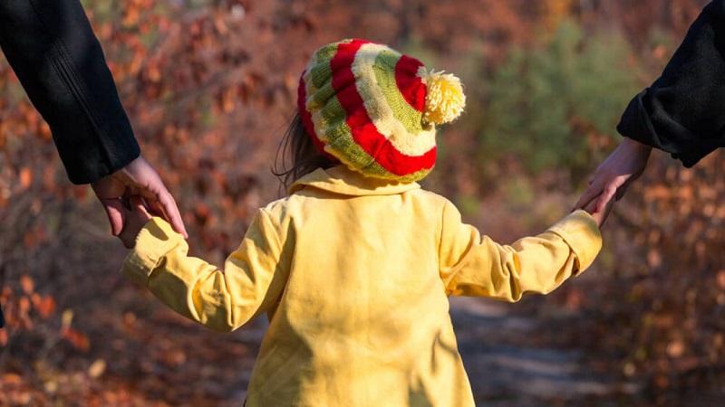 В Казахстане ежегодно около тысячи родителей лишают прав на детей