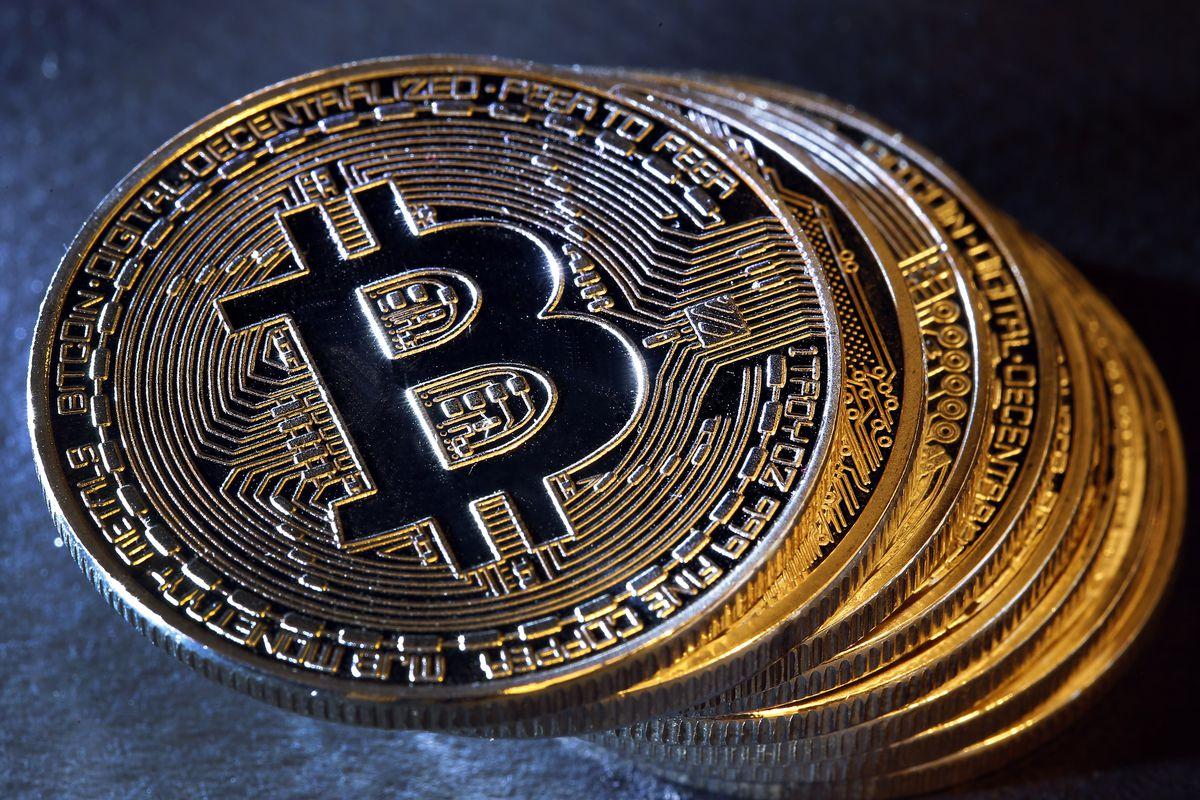 Стоимость Bitcoin поднялась до максимума за год