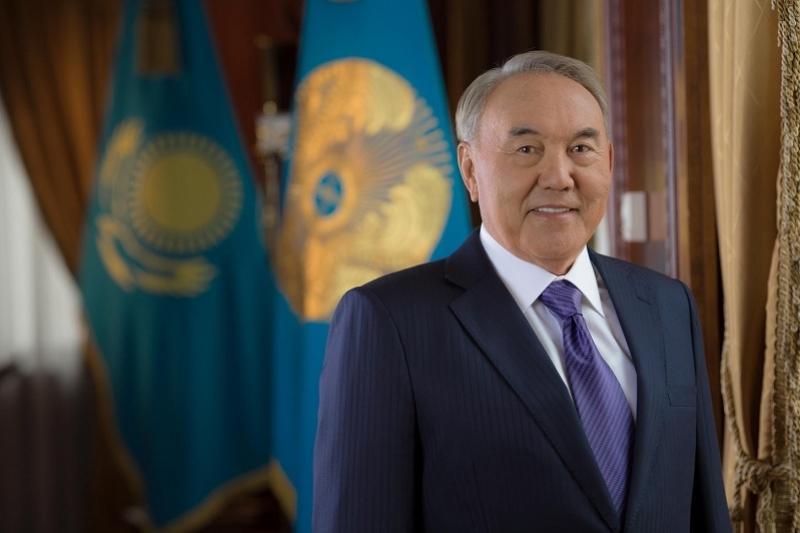 Нурсултан Назарбаев посетил Свято-Успенский кафедральный собор