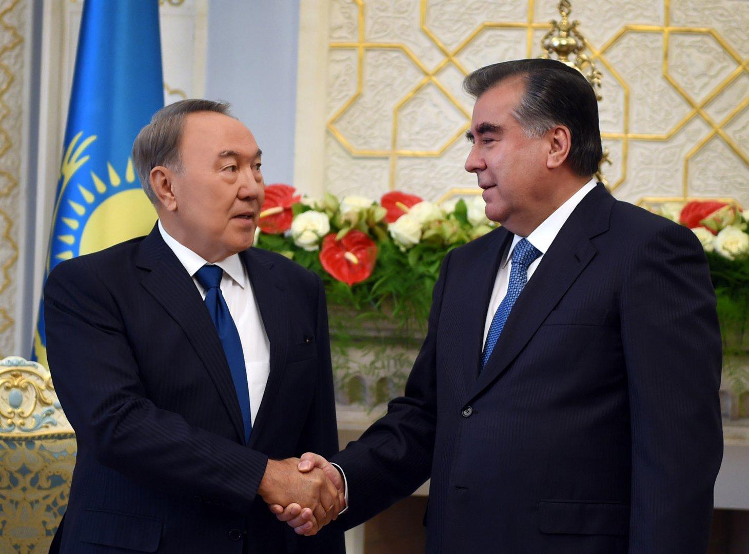 Президенты Казахстана и Таджикистана обсудили перспективы сотрудничества двух стран