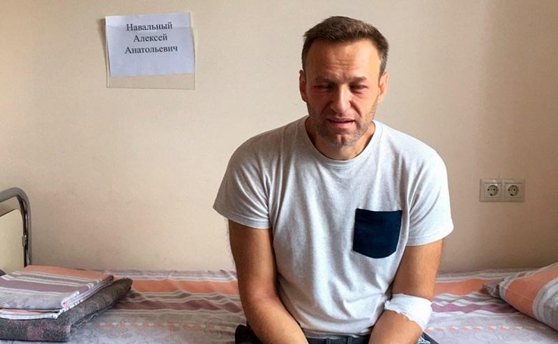 Самолет Томск – Москва с Навальным на борту вынужденно сел в Омске