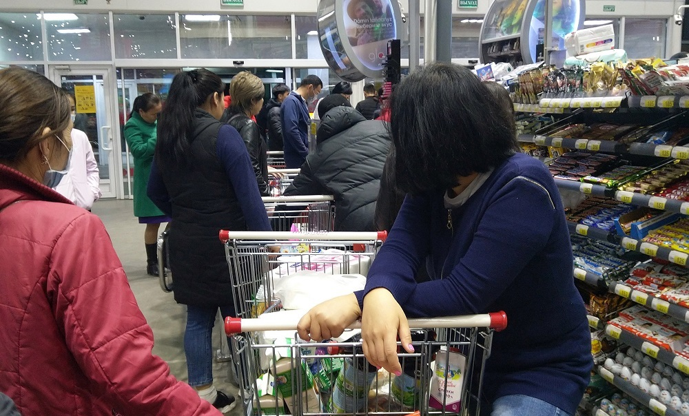 Розничная торговля в Казахстане сократилась на 9,5%