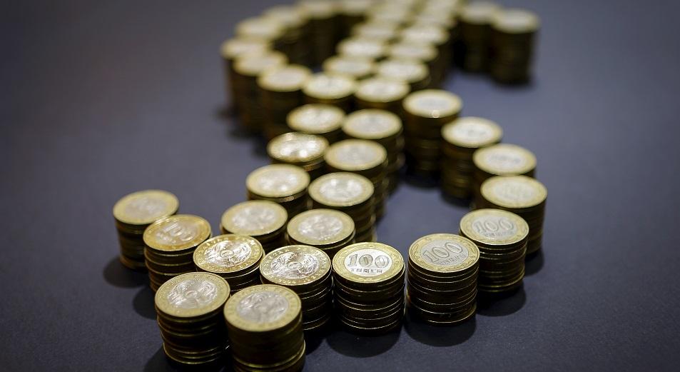 Курс доллара в обменниках подскочил до 400 тенге