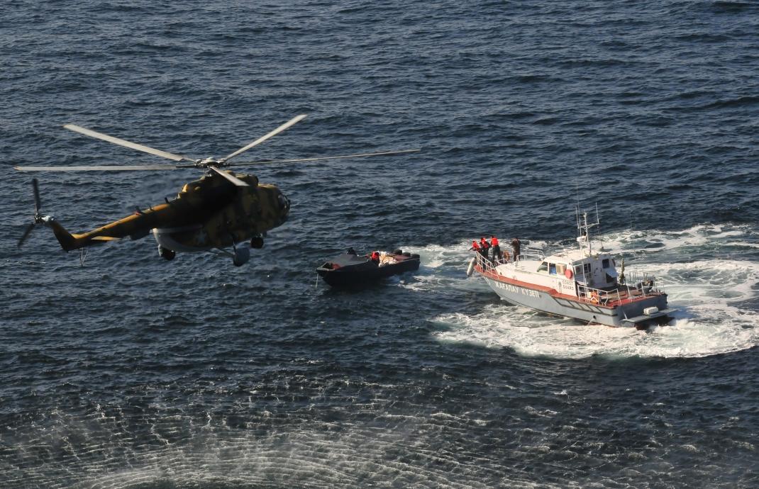 Казахстанские морские пограничники выпустили в Каспий 679 осетров