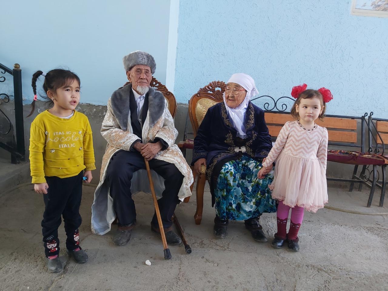 Түркістан облысында 98 жастағы ерлі-зайыпты тұрады