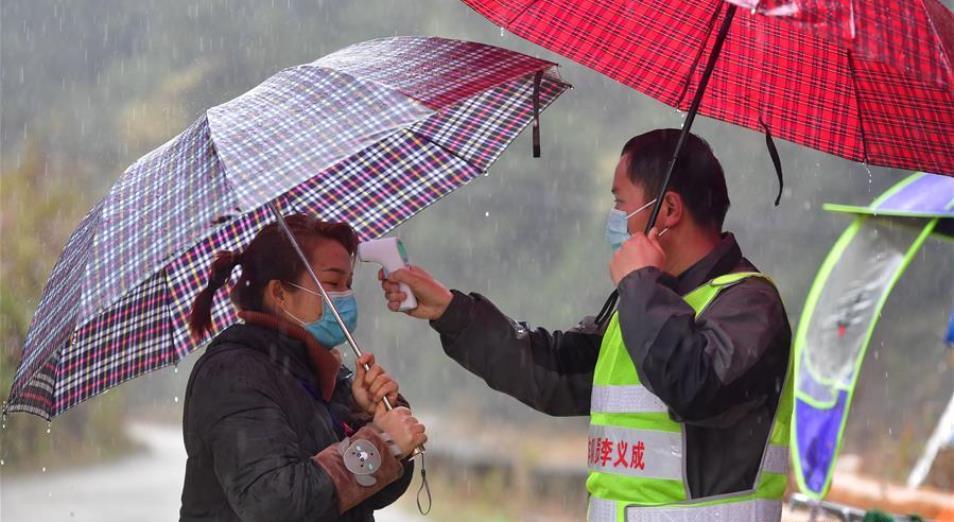 Не войной, так пневмонией: китайской экономике подсадили коронавирус