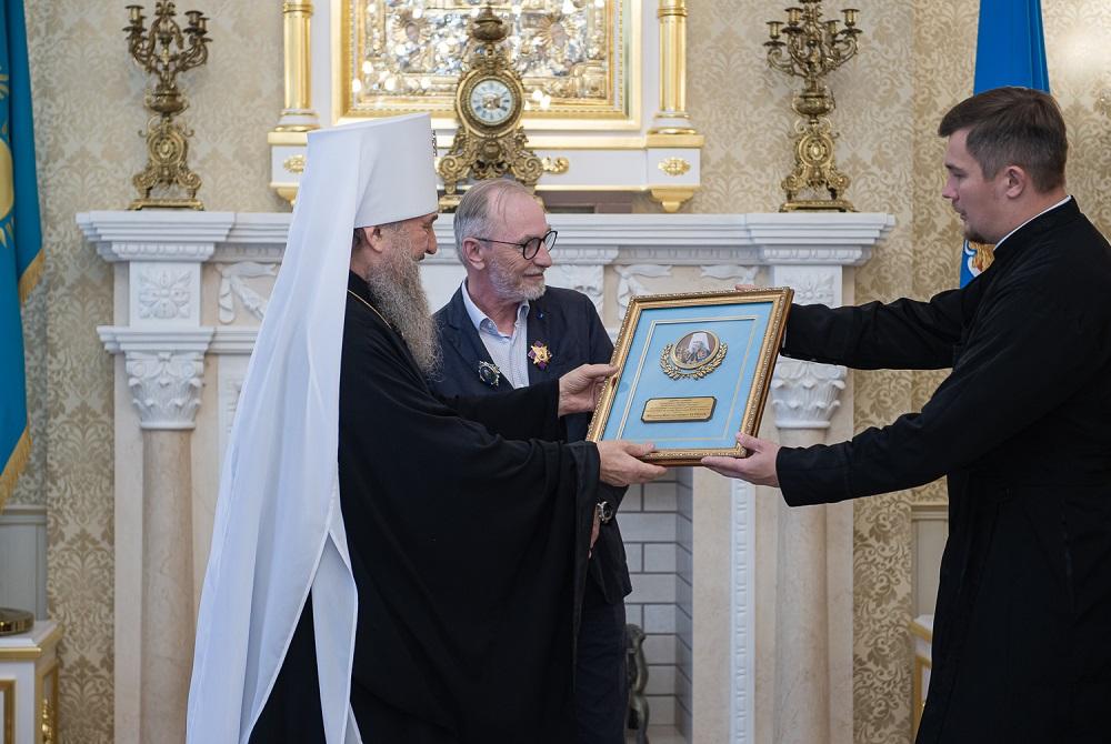 В Алматы наградили реставраторов Вознесенского собора