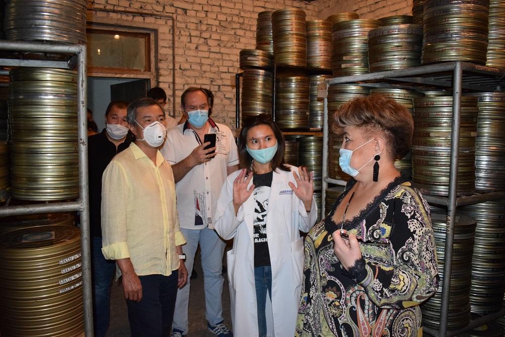«Казахфильм» посетила делегация  Государственного центра поддержки национального кино