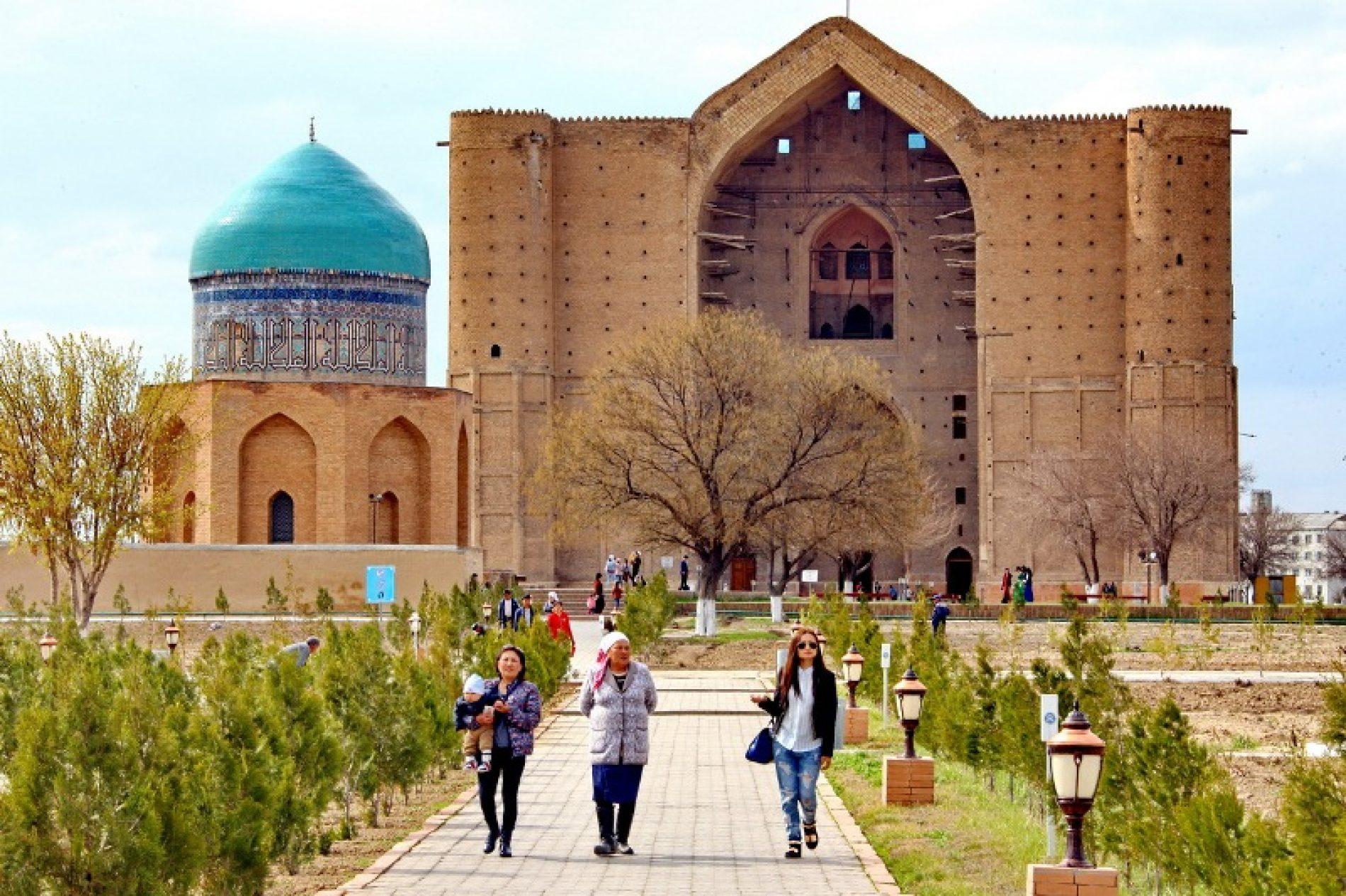 Қасым-Жомарт Тоқаев: Қожа Ахмет Ясауи кесенесінің туристік әлеуеті зор