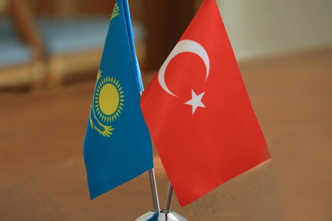 Казахстан ратифицировал соглашение с Турцией о военном сотрудничестве