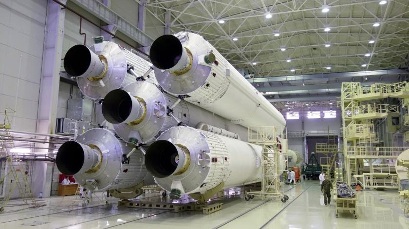 """Казахстан ратифицировал поправки в соглашение с РФ, предусматривающие замену ракеты-носителя """"Ангара"""""""