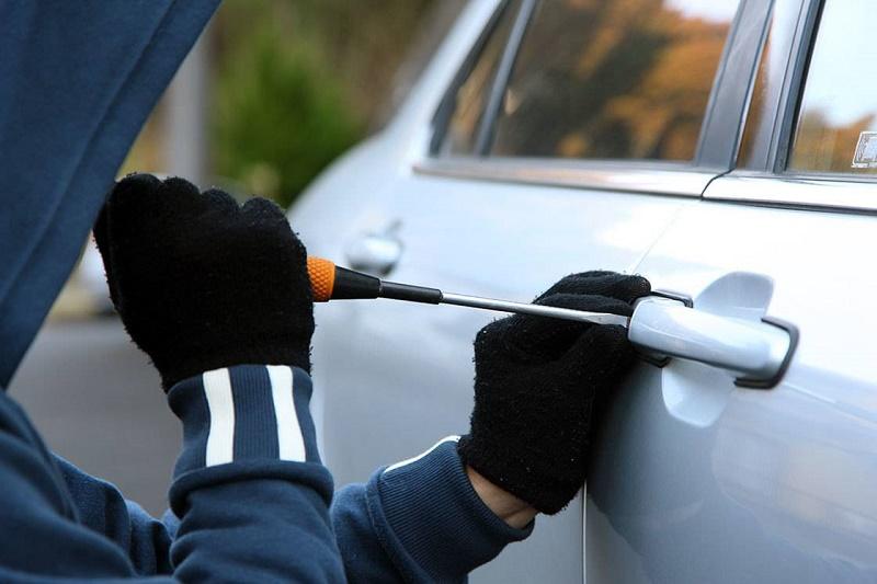 Штраф в 1,5 млн тенге грозит родителям восьмилетнего автоугонщика в Уральске