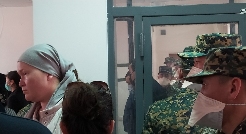 12 таможенников осуждены в Шымкенте