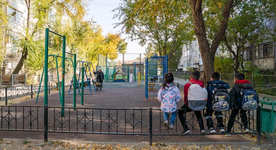 Бордюры, скамейки, асфальт: какими стали алматинские дворы. Фоторепортаж inbusiness.kz