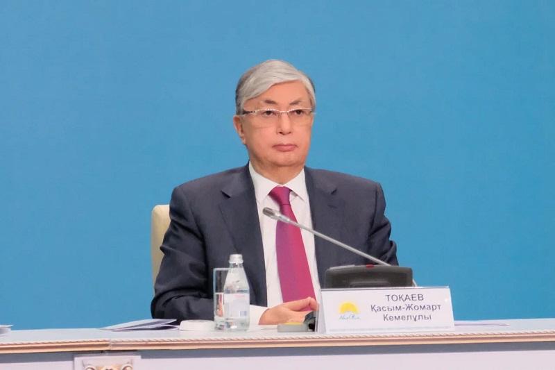 Токаев призвал казахстанцев соблюдать карантинные меры по коронавирусу