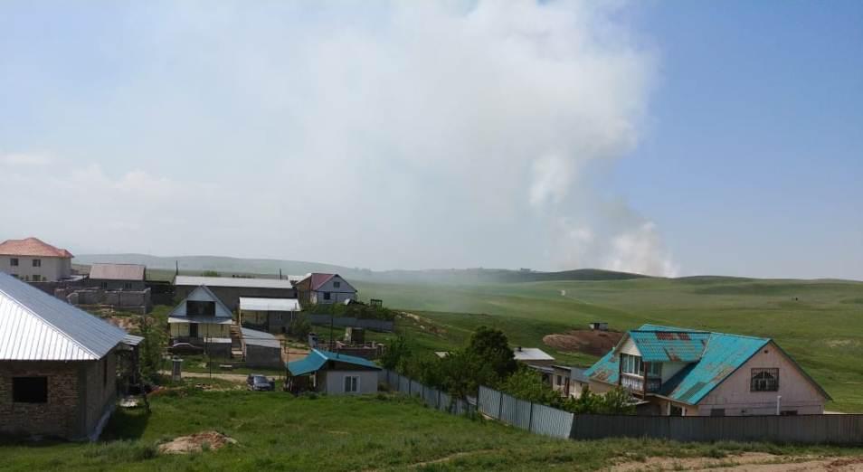 Пожар на полигоне бытовых отходов ликвидируют в Алматинской области, пожар, Происшествия, ЧП, КЧС МВД РК, полигон бытовых отходов, Алматинская область