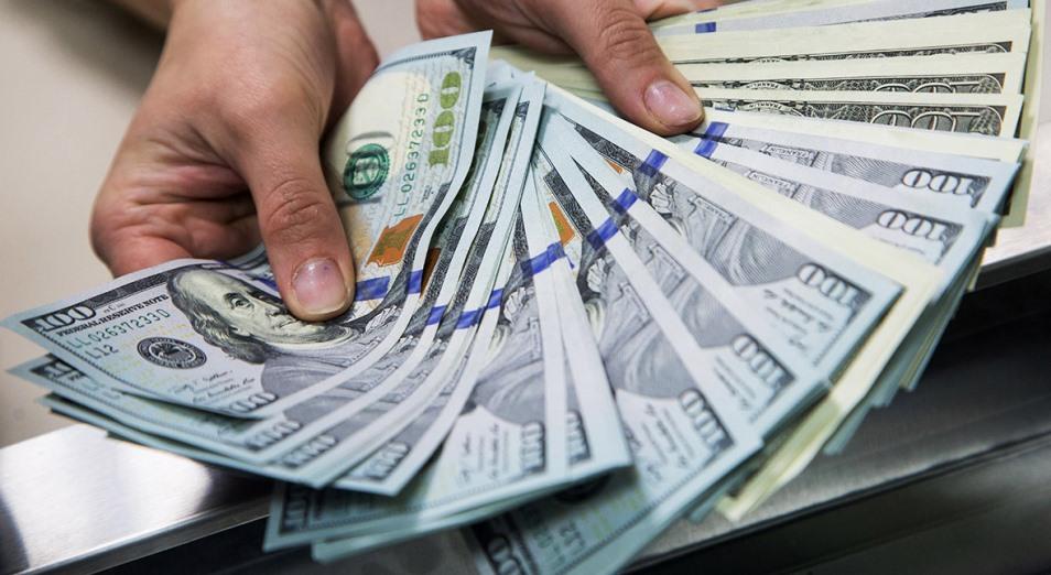 Уровень долларизации вкладов вырос до 46,7%