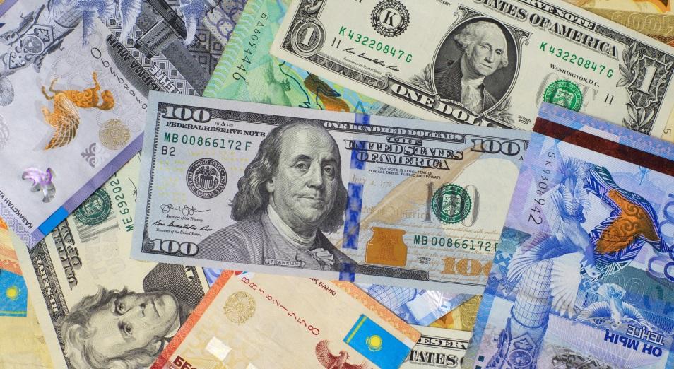 Курс национальной валюты на открытии торгов 10 ноября пробил уровень 430 тенге за доллар