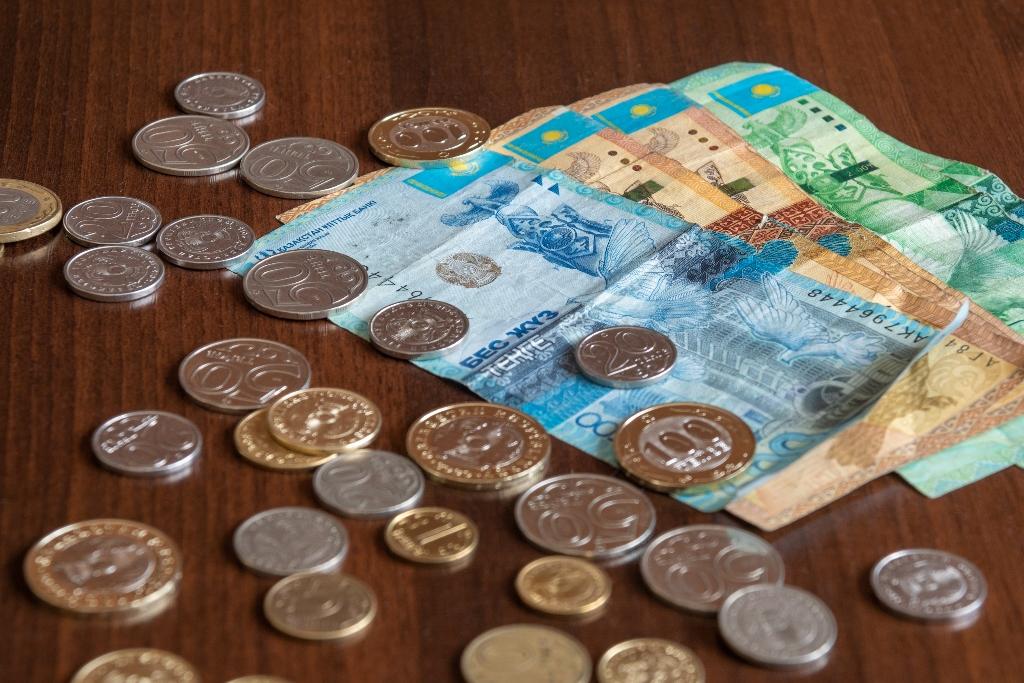 Единовременную выплату 42 500 тенге получили более 2,1 млн казахстанцев
