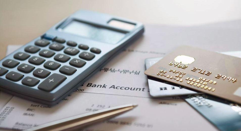 Казахстанским госслужащим могут запретить открывать счета в иностранных банках за пределами РК