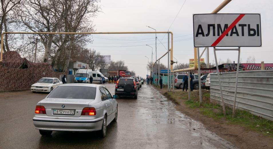 Вопрос «въезда и выезда» в город Алматы вошел в топ проблемных