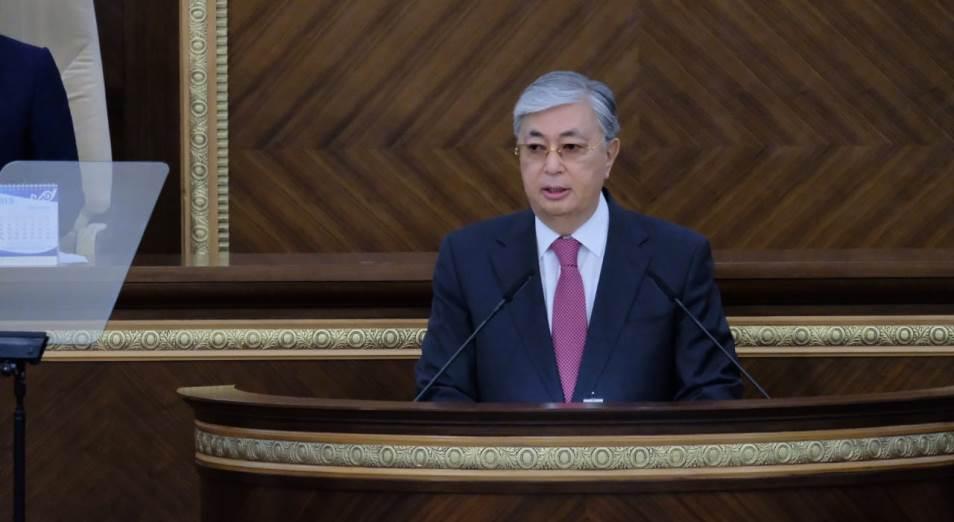 Казахстан сократит штат госслужащих