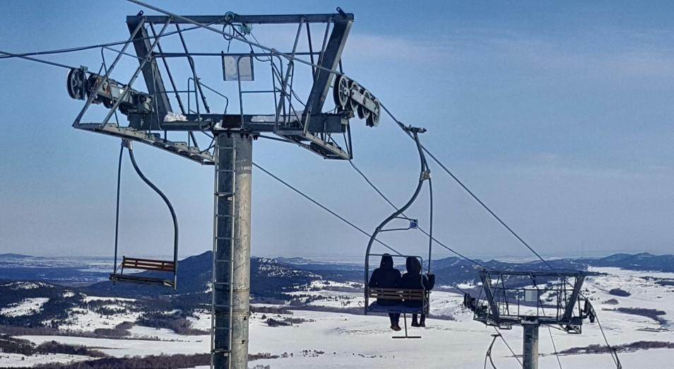 На лыжной базе Мырзашокы в Баянауле уже не хватает инвентаря для всех желающих