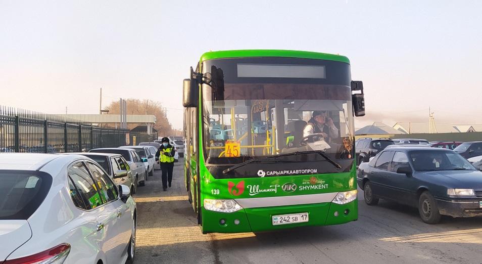 В Шымкенте полтысячи водителей Shymkent bus устроили забастовку, требуя повышения зарплаты