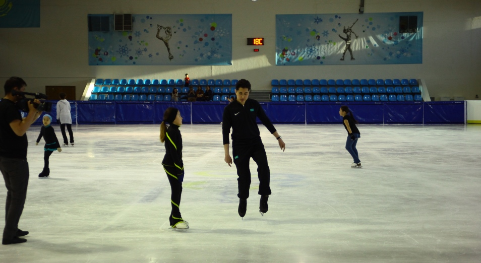 Кого тренирует фигурист Тимур Турсынбаев в Казахстане