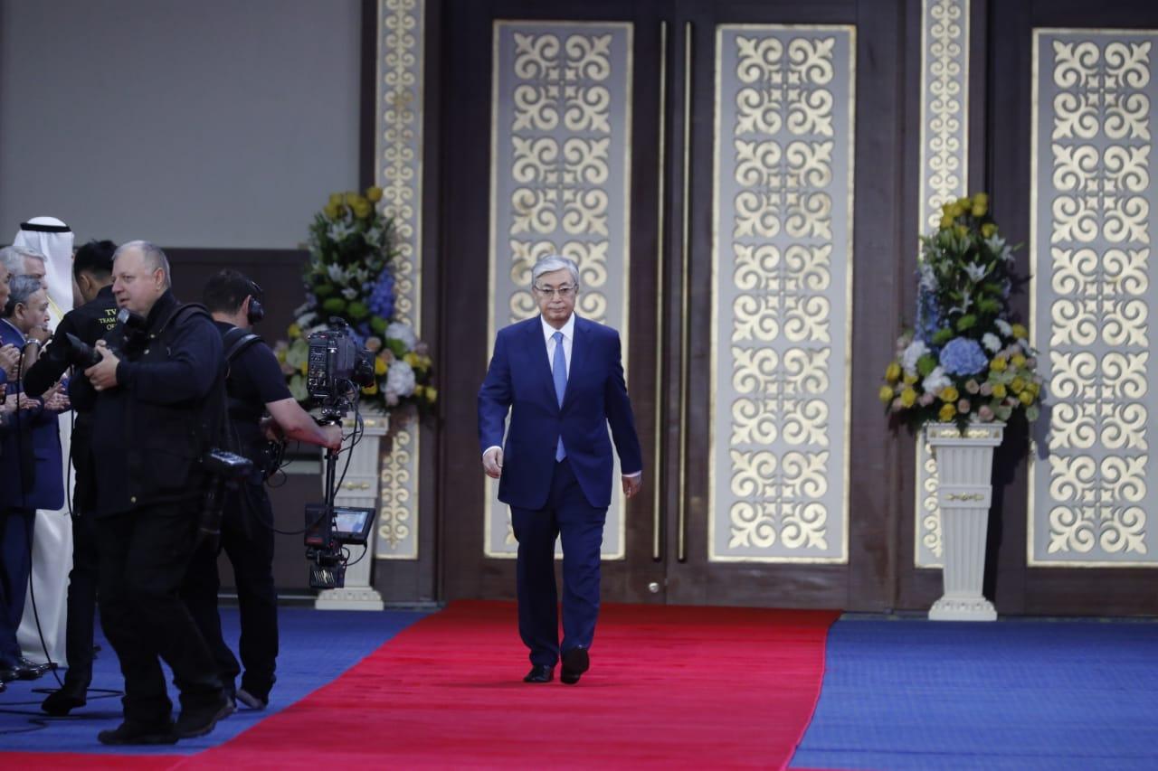 """Президент Казахстана: """"Нам нужно обновить социальную политику"""""""