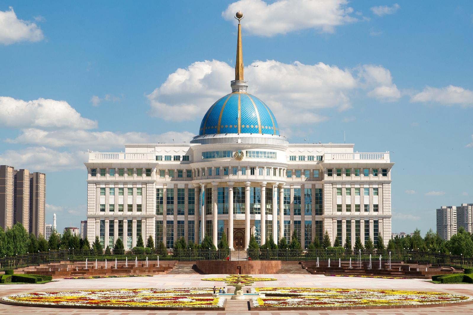 Президент РК освободил от должности сотрудников силовых структур