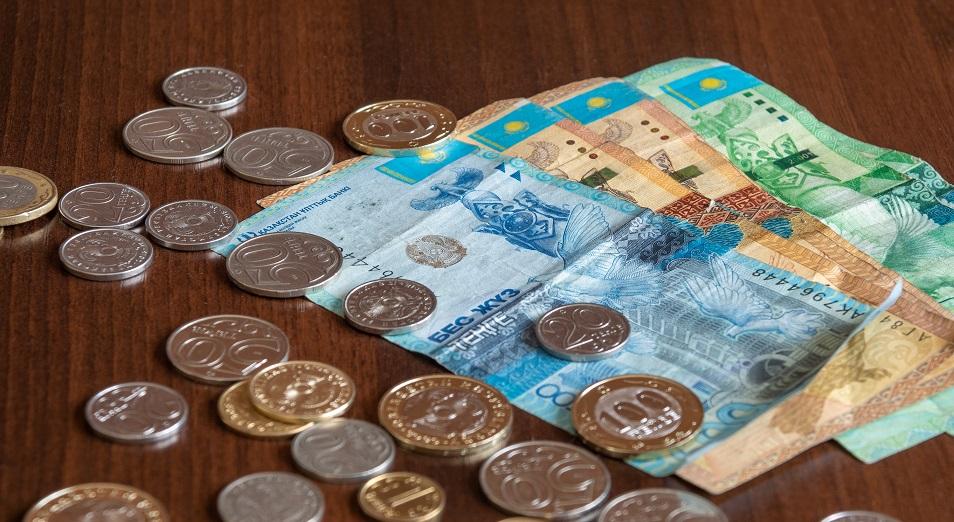 Казахстанцы набирают кредиты: общий объем превысил 7 трлн тенге