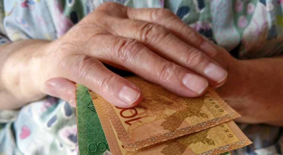 Размеры пенсий и госпособий выросли в Казахстане